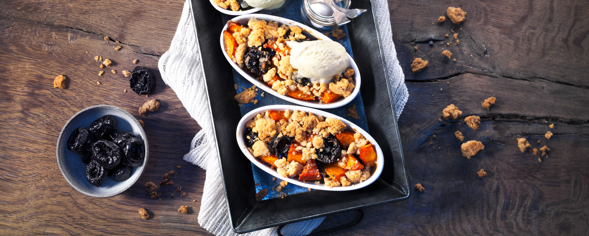 <p>This dish is full of warm spiced flavor with an addictive crumbly topping. It's classic fall comfort food and perfect to served warm with ice cream</p>